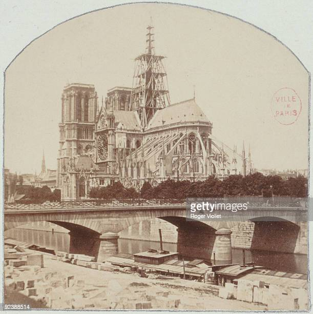 The spire of Notre-Dame under construction, around 1860. Project of Eugène-Emmanuel Viollet-le-Duc . Paris, Musée Carnavalet.