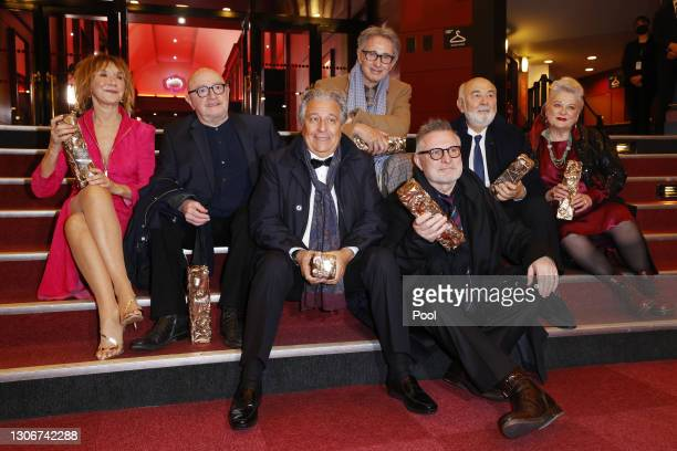 The Splendid Troop : Marie-Anne Chazel, Michel Blanc, Christian Clavier, Thierry Lhermitte, Bruno Moynot, Gérard Jugnot and Josiane Balasko pose with...