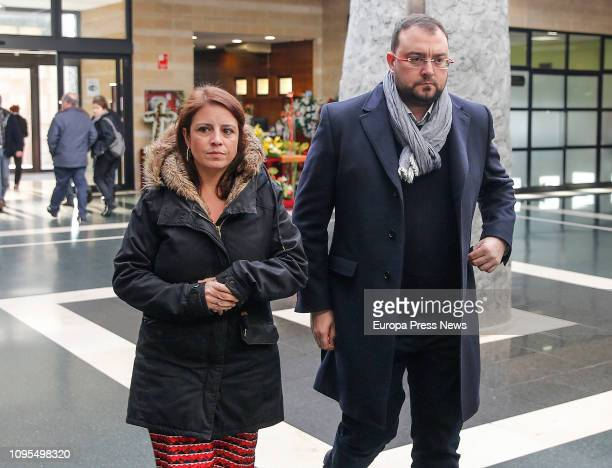 The spokeswoman of the socialist group in the Parliament Adriana Lastra and the leader of the FSAPSOE asturian political party Adrian Borbon give the...