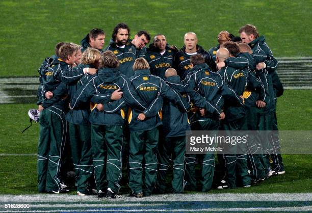 The Springboks huddle during the 2008 Tri Nations series match between the New Zealand All Blacks and the South African Springboks at Westpac Stadium...