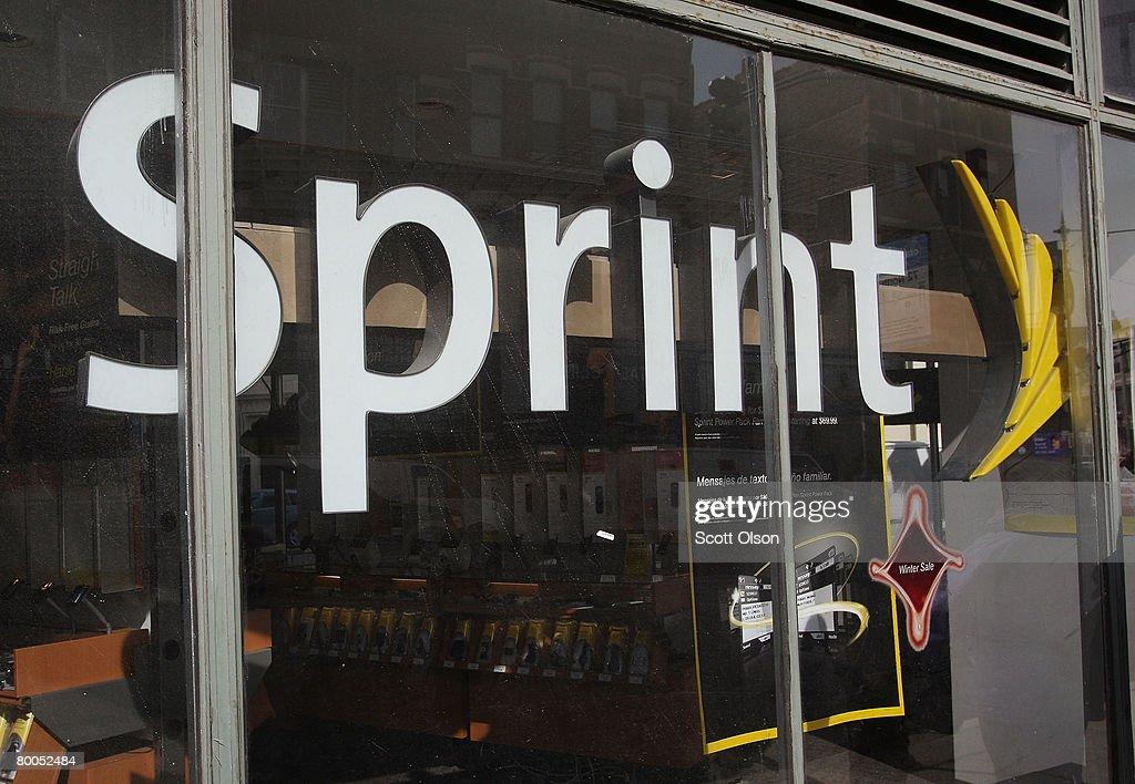 Sprint Nextel Announces 29 Billion Dollar Quarterly Loss : News Photo