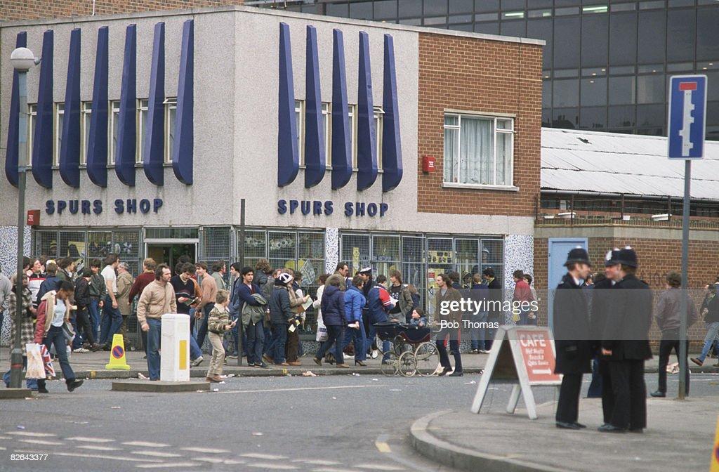 Spurs Shop : News Photo