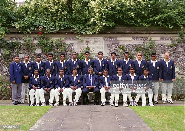 The Sri Lanka touring team at Lord's Cricket Ground London circa July 1998 Back row left to right Alan Wahab Chandika Hathurusingha Mahela...