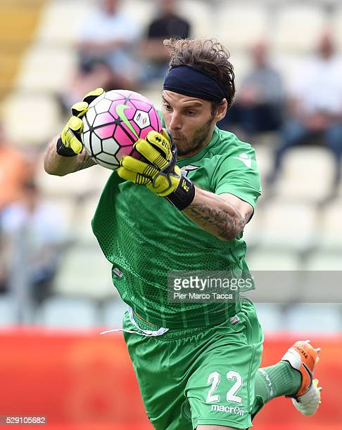 The SS Lazio goalkeeper Federico Marchetti in action during the Serie A match between Carpi FC and SS Lazio at Alberto Braglia Stadium on May 8 2016...