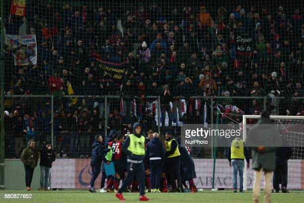 The SS Sambenedettese player celebrate the victory of the Lega Pro 17/18 group B match between Teramo Calcio 1913 and SS Sambenedettese at Gaetano...
