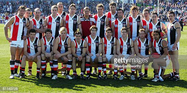 The St Kilda Saints wearing their Heritage round guernsey pose for a teamshot before the AFL round 18 game between the Geelong Cats and the St Kilda...