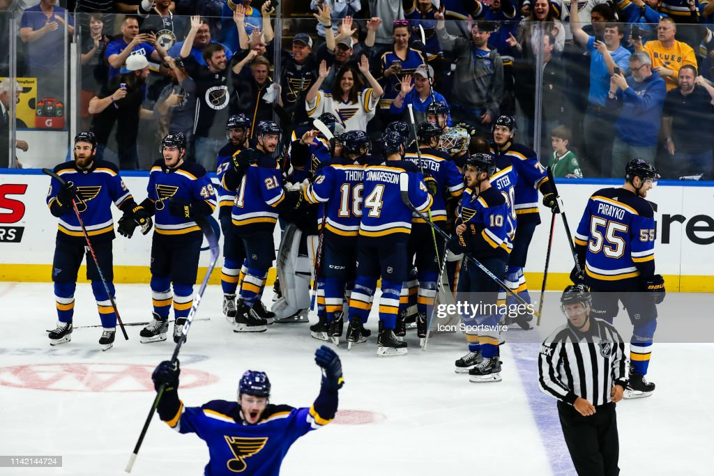 NHL: MAY 7 Stanley Cup Playoffs Second Round - Stars at Blues : News Photo