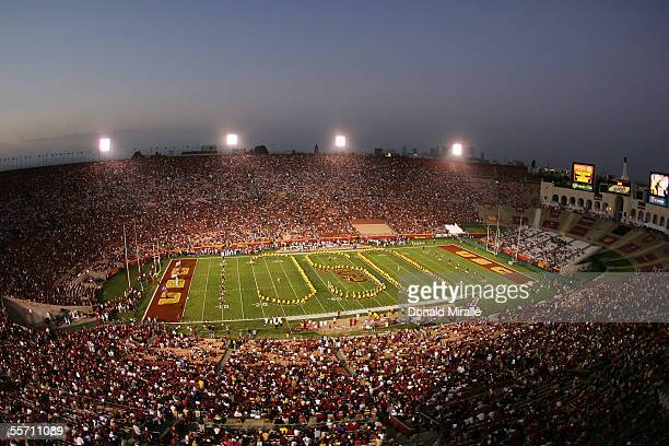The stadium fills up before the NCAA game between the USC Trojans and the Arkansas Razorbacks on September 17, 2005 at the Memorial Coliseum in Los...