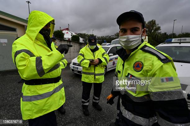 The staff of civil protection is preparing to host the hospital on October 15 2020 in Turin Italy The Emergency Piedmont Civil Protection train daily...