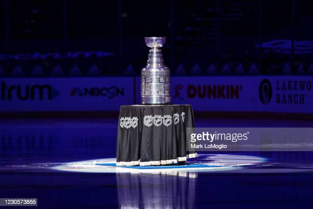 The Stanley Cup at center ice before the game between the Tampa Bay Lightning and the Chicago Blackhawks at Amalie Arena on January 13, 2021 in...