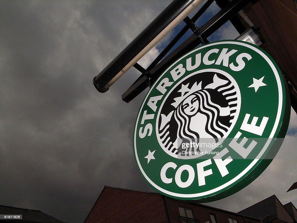 Economic Warning Signs Increase : News Photo