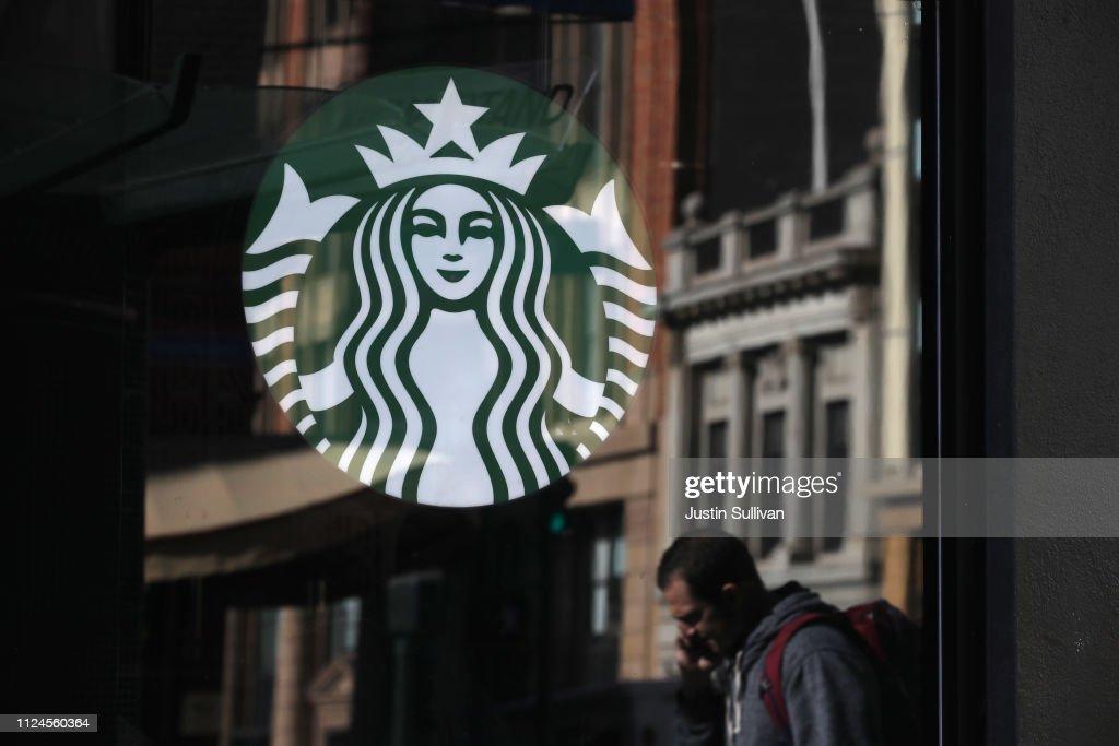 Starbucks Reports Quarterly Earnings : News Photo