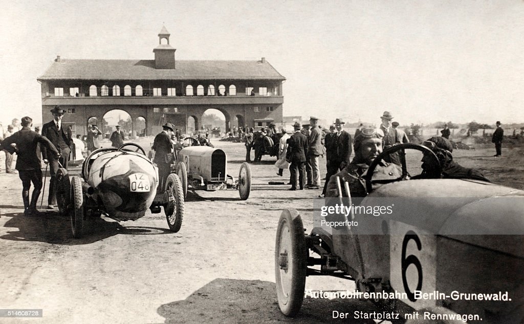 Motor Racing At Berlin-Grunewald : ニュース写真