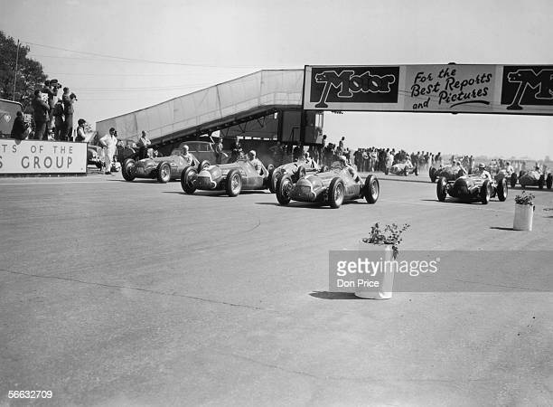 The start of the European Grand Prix at Silverstone, won by Italian driver Giuseppe Farina, 13th May 1950.