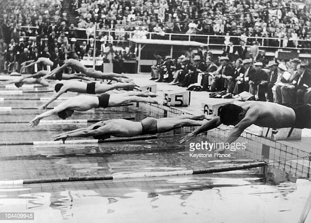 The start of the men's finals in the 400m freestyle swimming event at the Olympic Games in Helsinki on July 28 1952