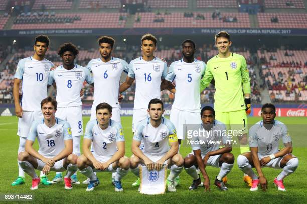 The starting line up of England before the FIFA U20 World Cup Korea Republic 2017 Semi Final match between Italy and England at Jeonju World Cup...