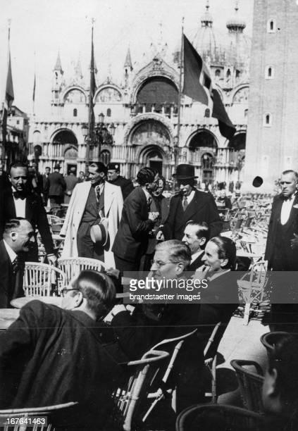 The state secretary for foreign policy Guido Schmidt in Venezia. Italia. Photograph. April 1937. Der österreichische Kanzler Kurt Schuschnigg in...