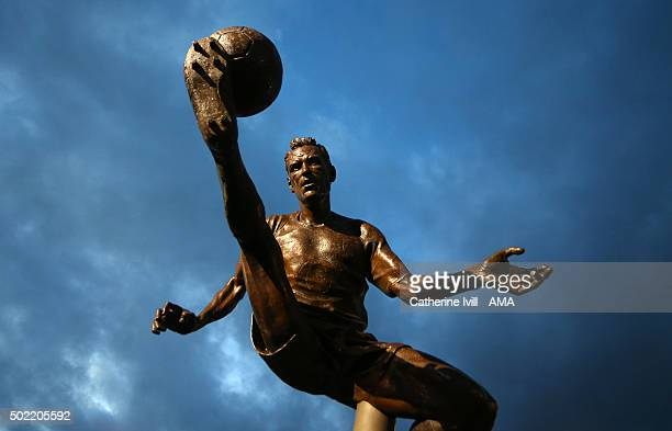 The statue of Dennis Bergkamp of Arsenal before the Barclays Premier League match between Arsenal and Manchester City at the Emirates Stadium on...