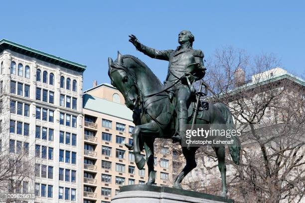 the statue of washington in union square park, new york city - ユニオンスクエア ストックフォトと画像
