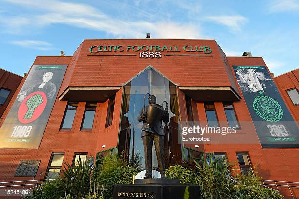 The statue to Celtic FC Legend Jock Stein at Celtic Park ahead of the UEFA Champions League group stage match between Celtic FC and SL Benfica on...