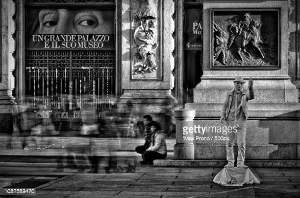 the street artist - prono stock photos and pictures