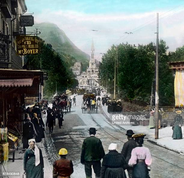 The street leading to the grotto of Lourdes