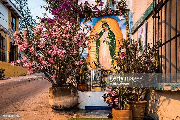 the streets of mazatlan sinaloa mexico - virgen de guadalupe fotografías e imágenes de stock