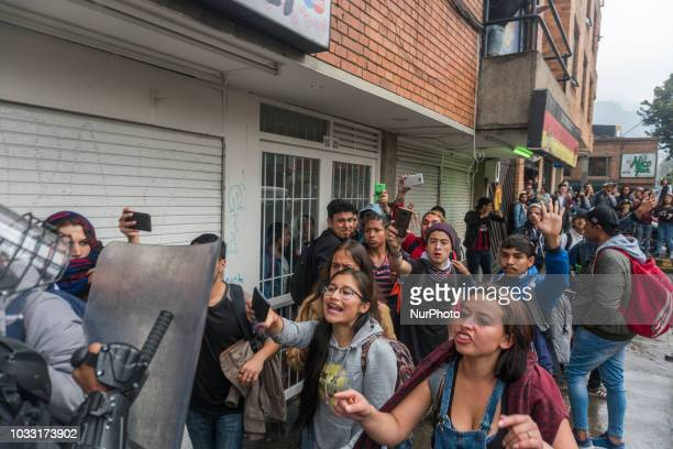 The students confronting to the agents of the ESMAD Mobile Antiriot squad in the demonstrations that lasted more than five hours in the vicinity of...