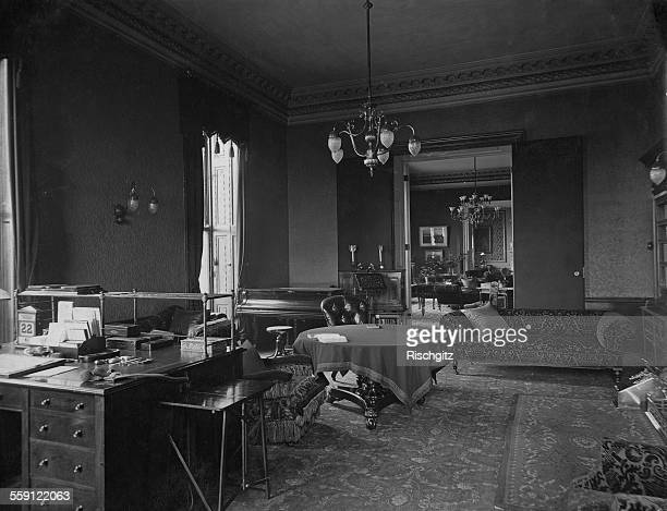 The study and music room at the British Prime Minister's residence at 10 Downing Street London during the Prime Ministership of Arthur Balfour circa...