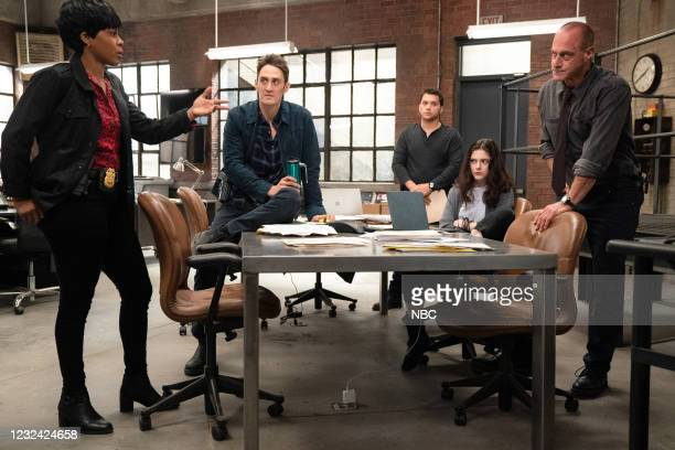 """The Stuff That Dreams Are Made Of"""" Episode 104 -- Pictured: Danielle Moné Truitt as Sergeant Ayanna Bell, Ben Chase as Detective Freddie Washburn,..."""