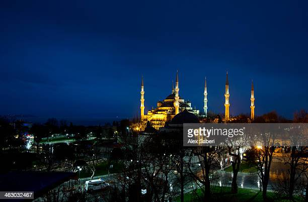 the sultan ahmed or blue mosque at night. - alex saberi stock pictures, royalty-free photos & images