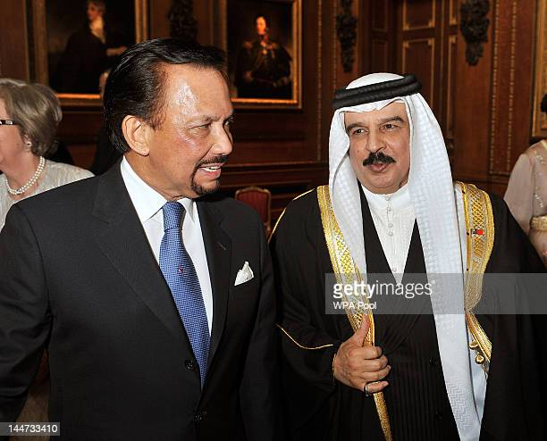 The Sultan of Brunei Hassanal Bolkiah and King Hamed bin Isa Al Khalifa of Bahrain during a reception in the Waterloo Chamber before the Lunch For...