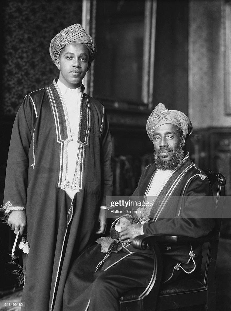 Sultan of Zanzibar with Heir Presumptive : Photo d'actualité
