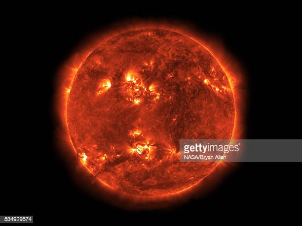 the sun - solar flare stock pictures, royalty-free photos & images
