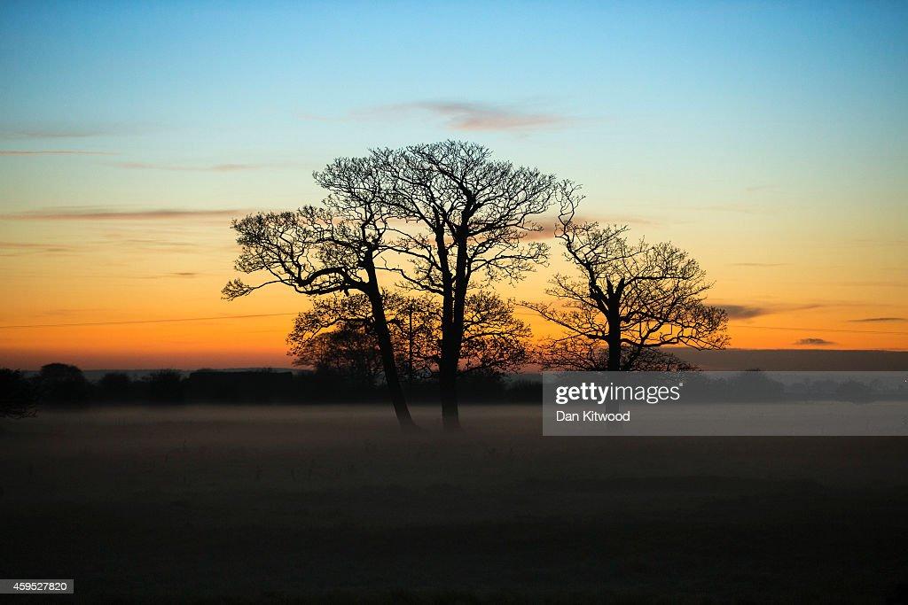 Sun Set Over Farmland In Lincolnshire : News Photo