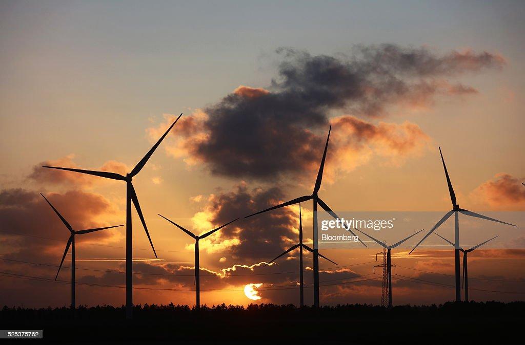 Testing The World's Biggest Wind Turbine : News Photo