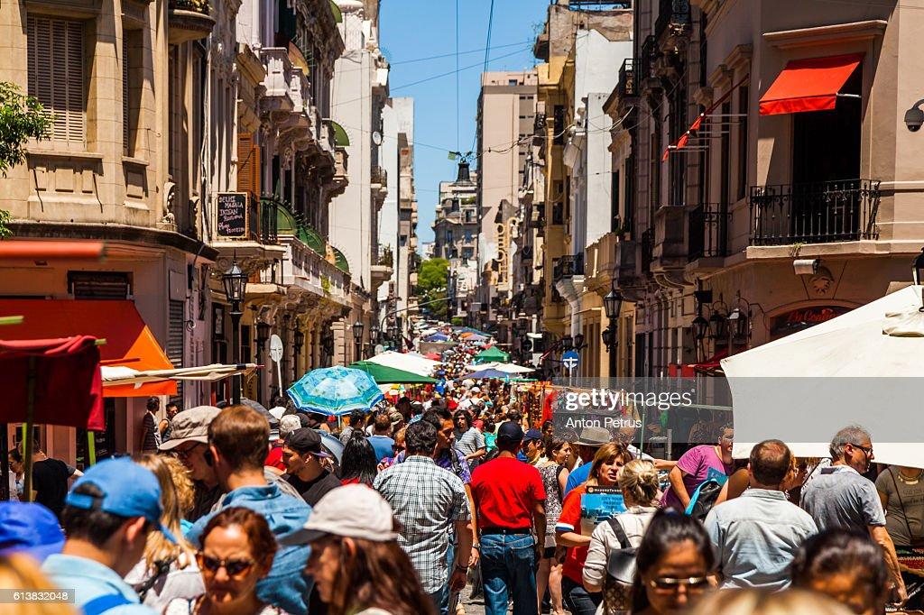 The Sunday San Telmo street market along avenue Defensa. : Stock Photo