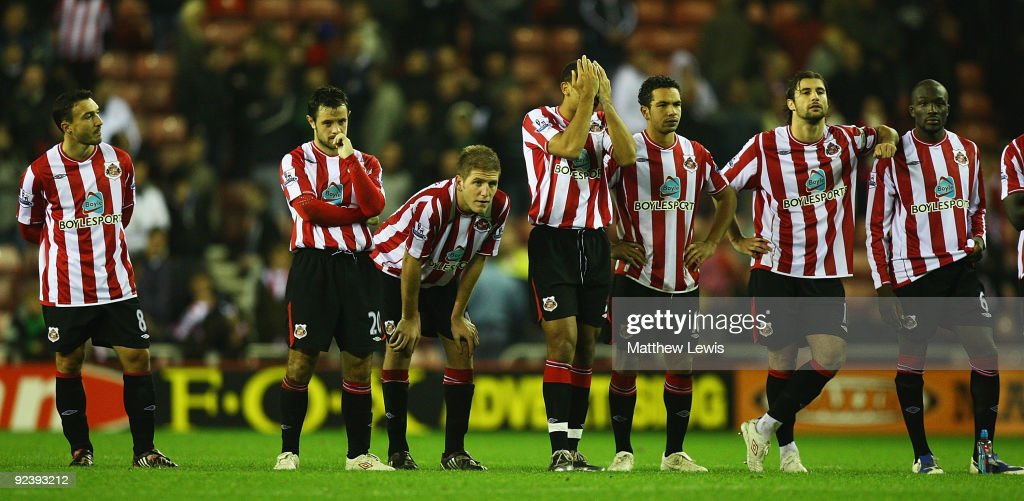 The Sunderland team look on during the penalty shoot out during the Carling Cup 4th Round match between Sunderland and Aston Villa at the Stadium of Light on October 27, 2009 in Sunderland, England.