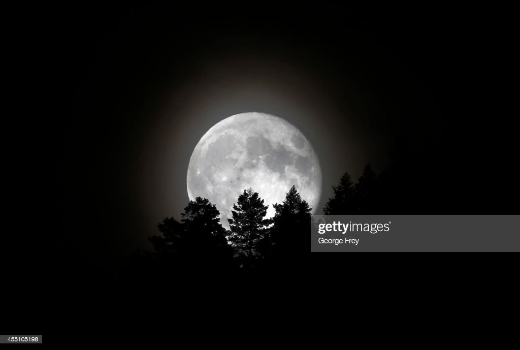 The Supermoon rises over a mountain ridge on September 9, 2014 in Provo, Utah. Tonight's supermoon was the third in a trio of supermoons this summer. To have three in such close proximity is very rare and it is not expected that this will happen again until 2034.