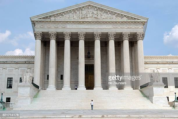 the supreme court - federal building stock pictures, royalty-free photos & images