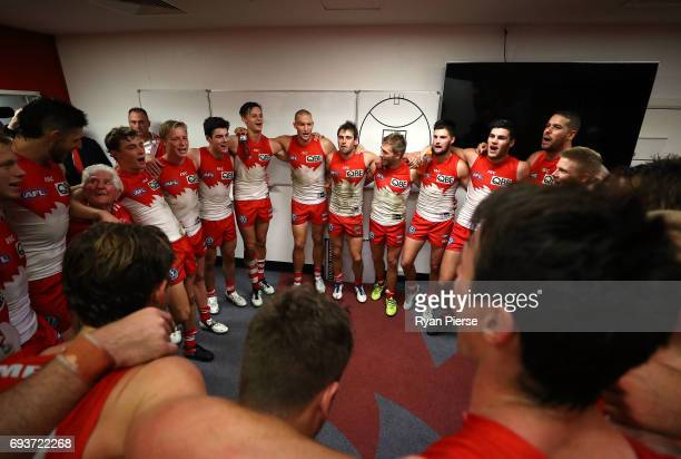The Swans sing the club song after the round 12 AFL match between the Sydney Swans and the Western Bulldogs at Sydney Cricket Ground on June 8 2017...