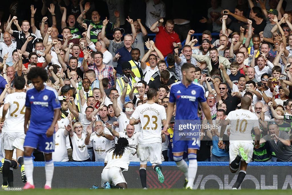 FBL-ENG-PR-CHELSEA-SWANSEA : News Photo