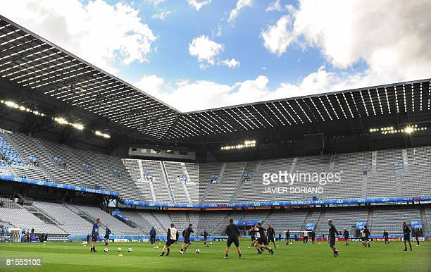 The Swedish national football team take part in a training sesiion on June 13, 2008 at Tivoli Neu stadium in Innsbruck, on the eve of their football...