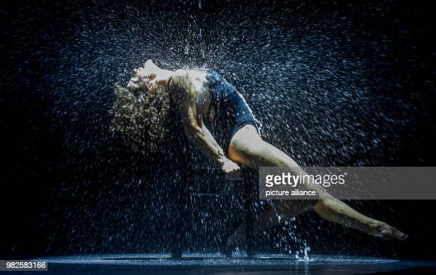 The Swedish performer Hannah von Spreti performs before the press conference regarding the musical Flashdance at the mehr Theatre in Hamburg Germany...