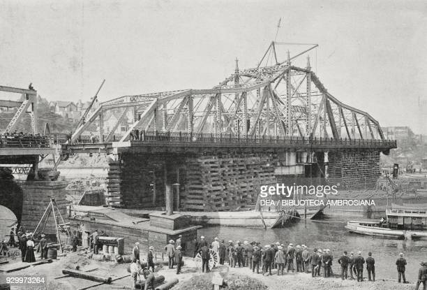 The swing bridge under construction over the Harlem River in New York, United States of America, photograph by Adolfo Croce, from L'Illustrazione...