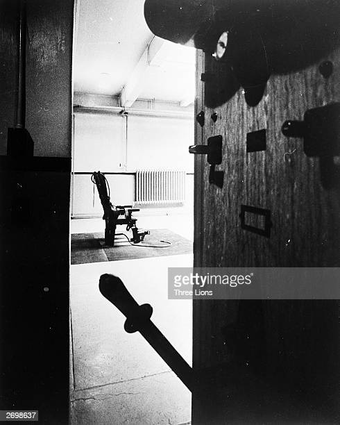 The switch for the electric chair in Sing Sing prison which is placed so that the executioner can see when is the right time to throw the switch and...