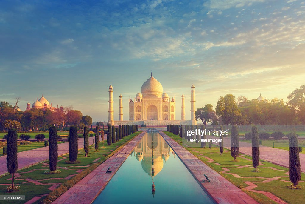 The Taj Mahal without people, early morning shot. : ストックフォト