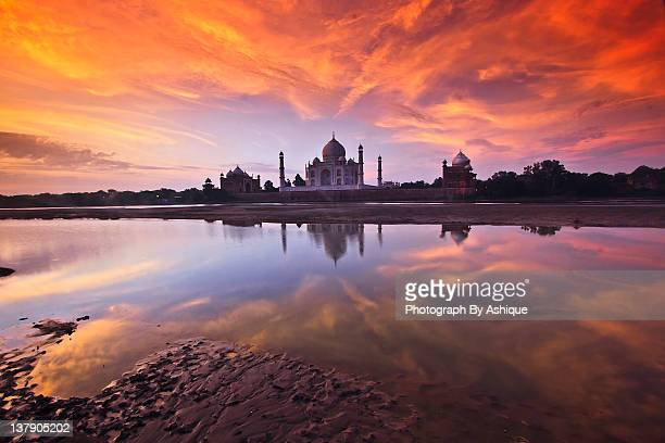 .: the taj :. - uttar pradesh stock pictures, royalty-free photos & images