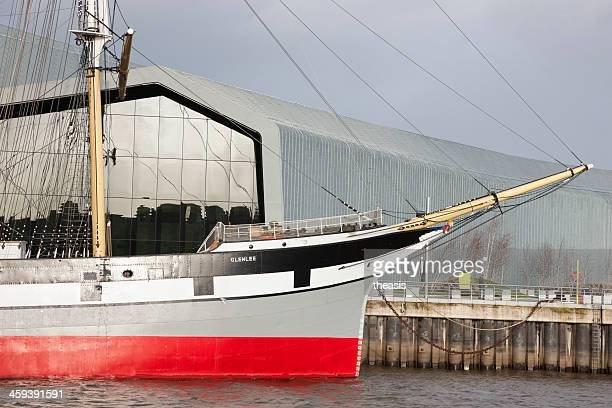 the tall ship glenlee and riverside museum, glasgow - theasis stock pictures, royalty-free photos & images