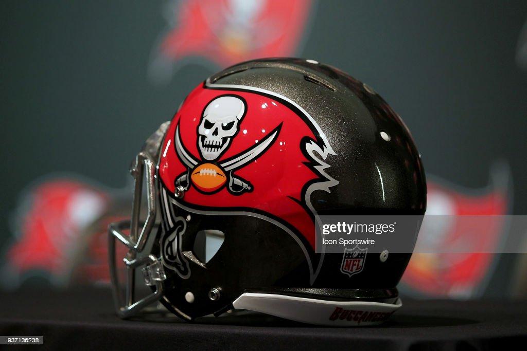 NFL: MAR 23 Jason Pierre-Paul Buccaneers Press Conference : News Photo
